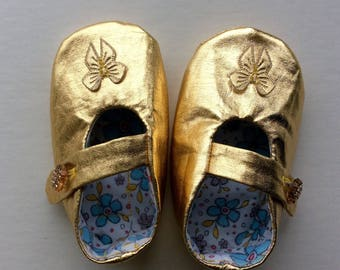 Baby girl shoes, baby girl clothes, baby Mary Janes, baby dance shoes, baby slippers, ballerina shoes, wedding shoes, gold party shoes, UK
