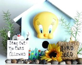 Beautiful Tweety Bird Indoor Wood Birdhouse * Refurbished * Free Shipping