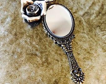 "Karāhe (Maori word for ""mirror"")"