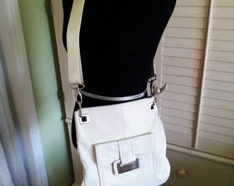 Vintage leather purse, vintage Kenneth Cole leather bag, vintage white leather purse, vintage body cross purse, 1990's leather purse A12