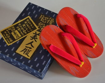 Child's wooden geta thongs, vintage Japanese geta sandals, small