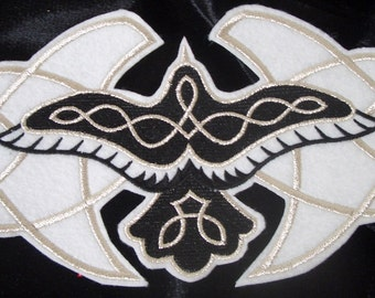 Extra large raven with celtic knotwork embroidered iron on patch
