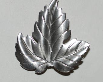 Beautiful 1970s era Tiffany Sterling Silver Maple Leaf Pin AS IS -- Free Shipping!