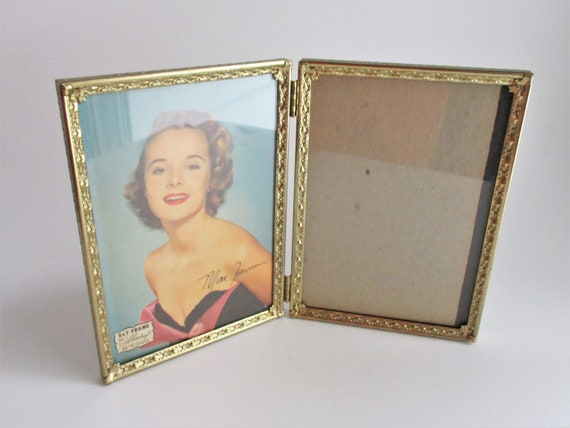 Vintage Metalcraft Double Gold Frame 5 x 7 Hinged Tabletop Picture ...