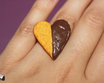 "Ring - Biscuit ""heart"" and the chocolate ganache"