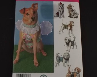Sewing Pattern Craft Pattern Simplicity 1482 Dog Clothes Costumes in Three Sizes