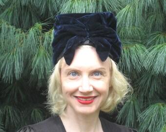 1940s navy velvet turban