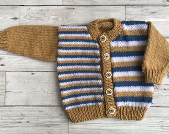 Baby sweater. Hand knitted baby cardigan to fit a 0 to 3 month baby. Baby gift.