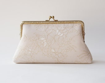 Champagne Gold Lace Wedding Clutch / Neutral clutch / Christmas gifts / Fall wedding / Vintage inspired / bridesmaid clutch / Bridal clutch