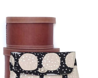 Clutch / Clutch Bag / Large Clutch Bag / Clutch Purse / Purse / Evening Bag / Handbag / Black and Sliver Metallic