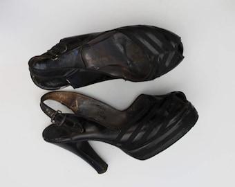 s a l e ... 1940s Platforms / Vintage 40s Heels / Size 5