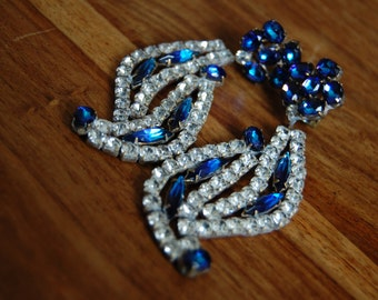 Stunning Vintage Haute COUTURE Dangle Chandelier Deep Blue and Rhinestone Clip-on Earrings