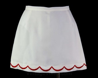 Size 4 Mini Skirt - 1960s White Pique Sport Skirt - Red Scalloped Embroidery - 60s Mod Summer Casual Wear - Small - NWT - Waist 25 - 45890-1