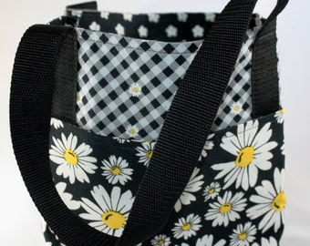 Organizing Bag ~ White Daisies