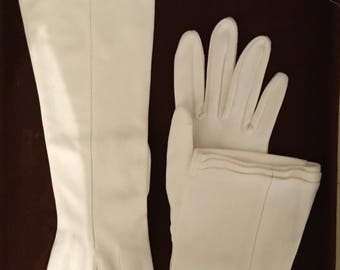 """Vintage white gloves (cotton/nylon) from 1950""""s fits small hands"""