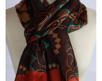 Scarf / 100% Brown pattern abstract