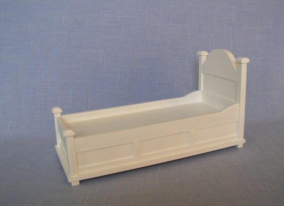 single bed for 12 inch doll dolls 1 6 scale bed white modern. Black Bedroom Furniture Sets. Home Design Ideas