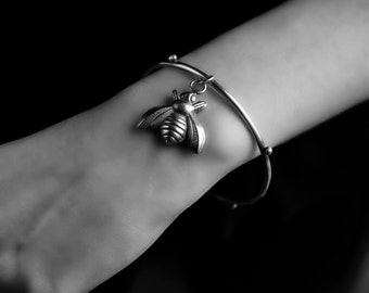 Made to Order ....... The Cycle of Time - Bumble Bee Sterling Silver Bangle