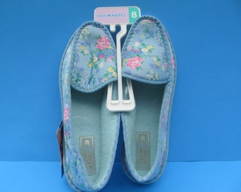 Woman   House Shoes - Slip on Slippers  size 8  NWT by  Love Mates