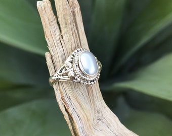 Genuine . Freshwater Pearl . Sterling Silver . Ring