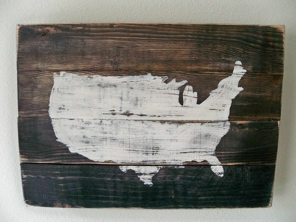 USA Map Wood Wall hanging on StainCustomizable with heart