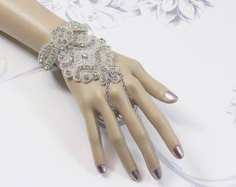 fingerless Bridal gloves Gatsby Bracelet Crystal 1920s Bridal Bracelet 20s Art Deco Hand Chain The Great Gatsby Art Deco Slave Bracelet