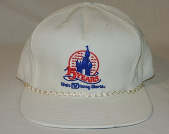 VTG New Era Walt Disney World 15 Years Anniversary White Snapback Baseball Hat / Cap