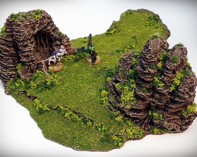 Wargame Terrain - Frog – Miniature Wargaming & RPG dynamic hill terrain - 15x12.5x4 inches