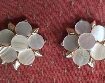 Vintage Clip Earrings, Gold Tone And Pearlized Stones, Vintage Earrings, Vintage Gift, Gift For Her, For Mom, Grandmother, Clip Earrings