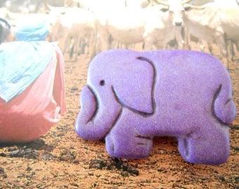 x 1 Purple Howlite elephant pendant bead.