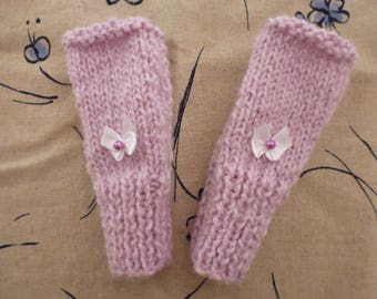 Pink hand knit child mittens 6/8 years