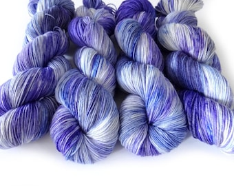 Superwash Merino/Nylon Sock Yarn 4ply Handdyed Yarn: FROSTY
