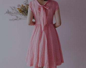 vintage 50s dress/1950s dress/pink stripe full skirt dress with ribbon tie