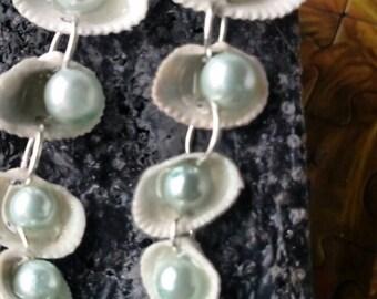Seashell and Mint pearls earrings