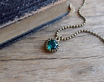 Emerald green Swarovski crystal necklace, Swarovski pendant, Gothic jewelry, Emerald pendant, Tiny pendant, Green jewelry, Bridesmaid gift