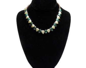 vintage 1950's thermoset heart necklace / green gold / St. Patricks Day Valentines Day / costume jewelry / vintage jewelry
