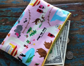 medium zipper pouch zoo excursion