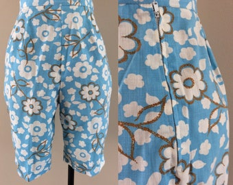 """1960's Cotton Linen Floral Print High Waisted Shorts 24"""" Waist Size XS by Maeberry Vintage"""