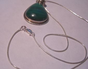 Vintage Sterling Silver and Malachite Necklace