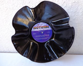 1983 LIONEL RICHIE Can't Slow Down Vinyl Record Bowl. RePurposed Vinyl Record. Record Bowl. Music Lover Gift. Lionel Richie Fan Gift. Soul