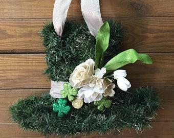 St.patricks Day wreath. St. Patrick's day hat wreath. St.patricks day door hanger. Shamrock wreath. Luck of the irish wreath