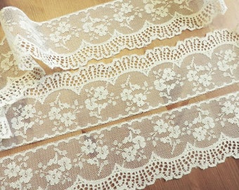 IVORY Lace Trim 5 yds. ~ 2.5 inch wide ~ ViNTaGE LaCE ~ made in U.S.A.