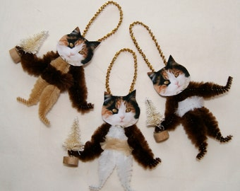 Chenille Ornaments, Primitive Vintage Style Chenille Christmas Ornaments, Calico Cat  (169)