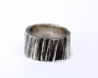 Trunk ring / Handcrafted 925 sterling silver