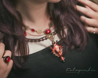 Medieval dragon head necklace, necklace-blutrot