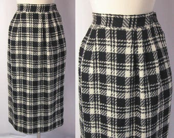 Plaid Skirt ~ 1980s Carol Reed Black & White Plaid Wool Midi ~ Preppy Schoolgirl Chic ~ Classic and Traditional ~ Excellent Condition ~ S