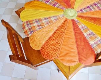Folk Pumpkin tabletop PDF sewing pattern - fall pattern - patchwork pattern - quilted tabletop - dresden plate pattern - digital download