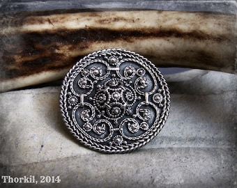 Viking jewelry, round Viking brooch replica with filigree and granulation, in bronze or sterling silver, Viking artifact