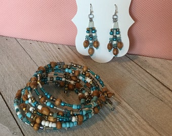 Wood and glass beaded bracelet and earrings