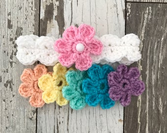 Crochet headband with interchangeable flowers newborn to 12 months sizes